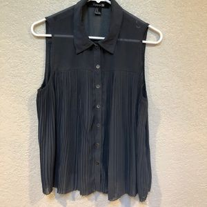 Forever 21. Sleeveless dark gray women's blouse